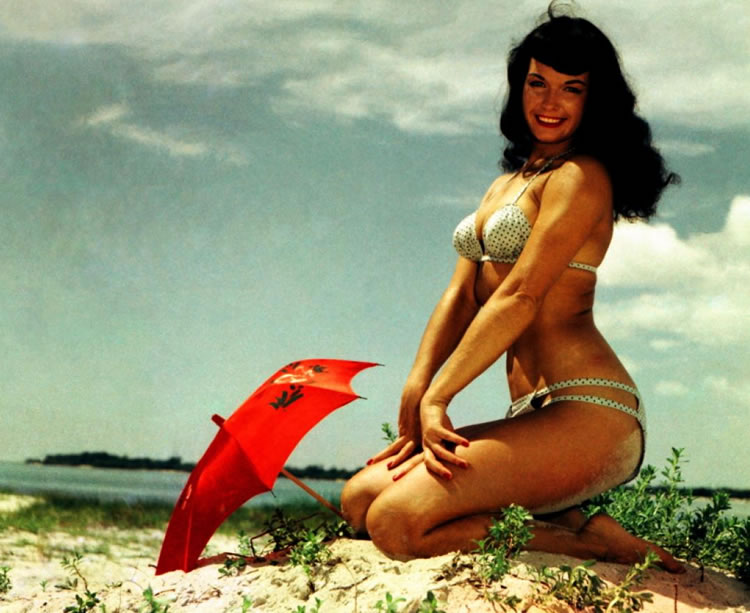 bettie page sombrilla