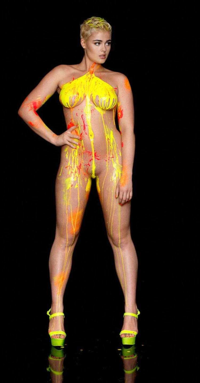 stefania ferrario topless